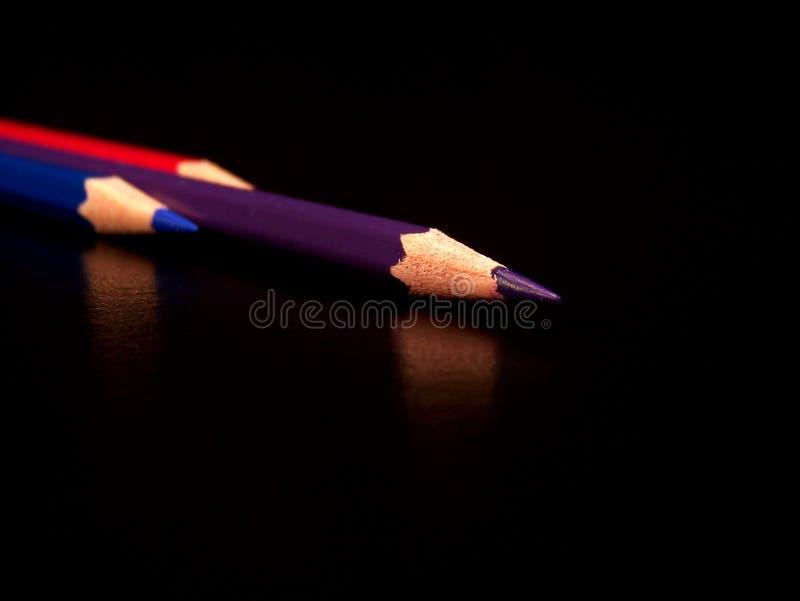 Crayon rouge, bleu, pourpré de couleur image libre de droits