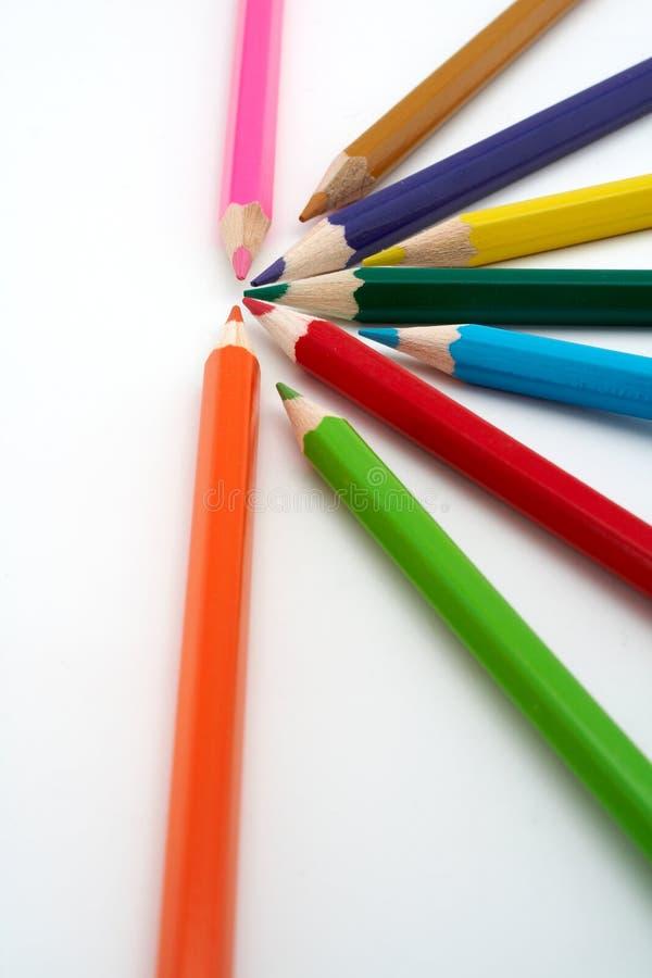 Crayons colorés d'école images stock