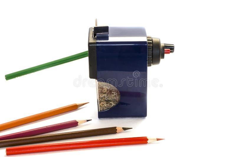 Crayons colorés et grand taille-crayons photos libres de droits