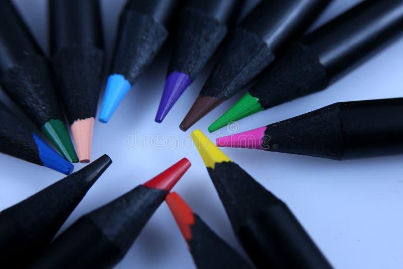 Download Crayons Colorés, Instruction-macro Photo stock - Image du coloré, maths: 76078612