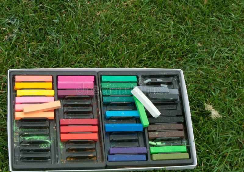 Crayons en pastel de craie -- Dehors photographie stock libre de droits