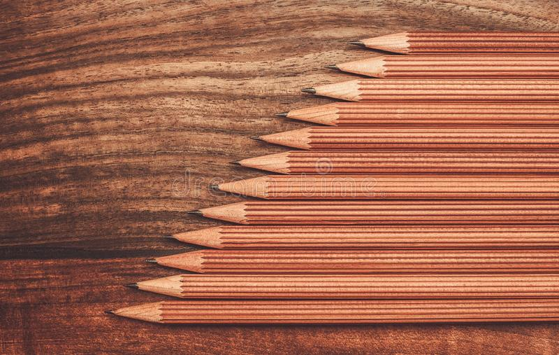 Crayons luxueux de dessin de fusain images libres de droits
