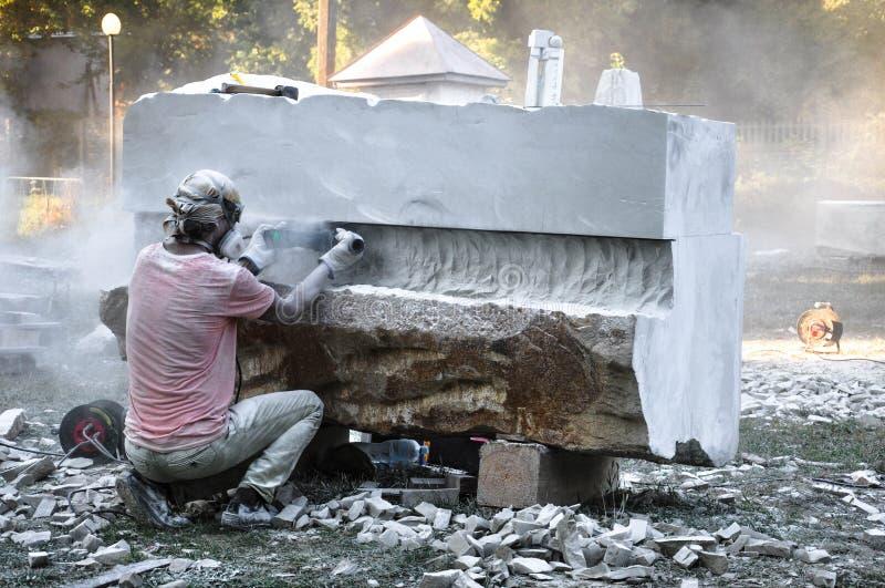 Creación de monumentos escultores que crean esculturas imagen de archivo libre de regalías
