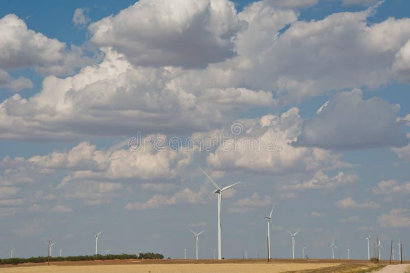 Creación libre limpia Tejas del oeste de la energía renovable de la granja de la turbina de viento fotografía de archivo libre de regalías