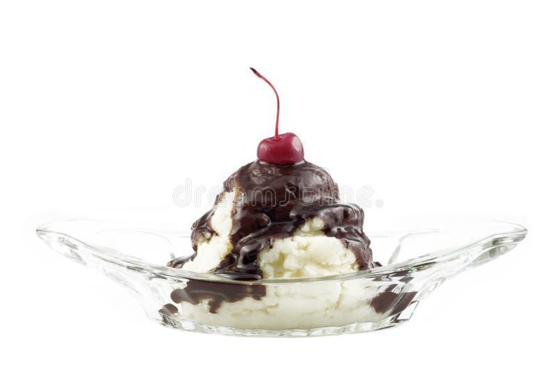 cream изолированная льдом белизна sundae стоковые фото