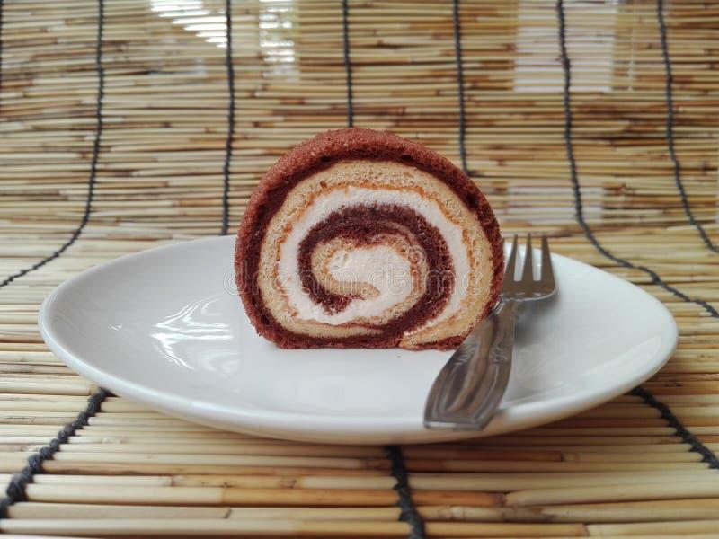 Cream крен торта слоя шоколада и ванили стоковое изображение