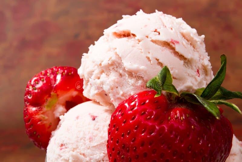 cream свежая клубника льда стоковое фото