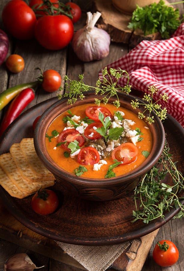 Cream суп пюра от испеченных томатов, баклажанов, перца, красного oni стоковая фотография