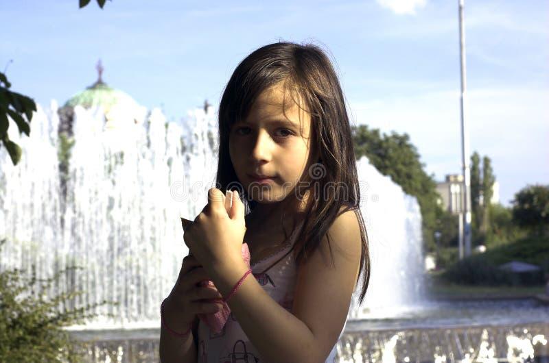 cream girl ice arkivbild