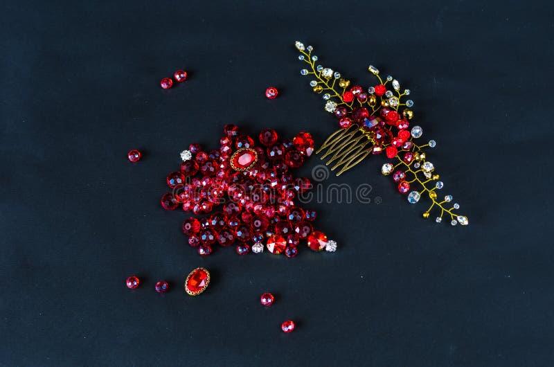 Crear la joyería usted mismo Clase principal en la fabricación de los ornamentos fotografía de archivo libre de regalías
