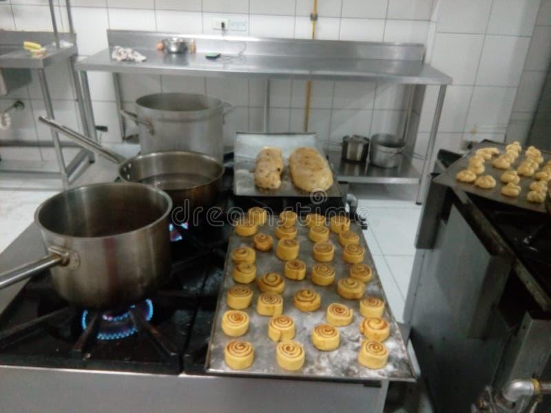 Creas烹调罐的厨房食物 免版税图库摄影