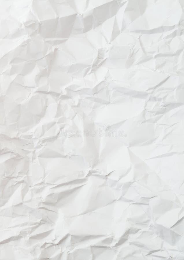 Creased и сморщенная скомканная белая бумага стоковые фотографии rf
