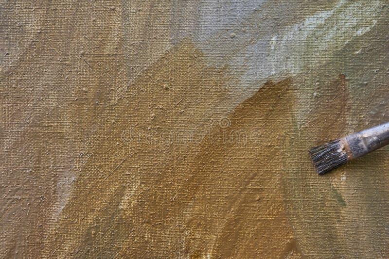Creatief beeld, kunstenaars` s palet met olieverven en borstels, close-up royalty-vrije stock foto's
