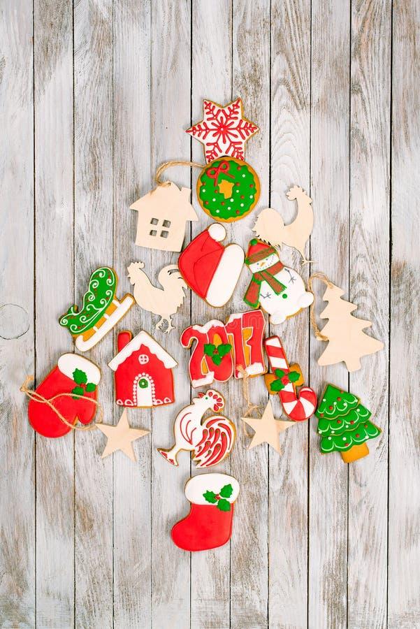 Creatieve Kerstmisboom van peperkoek en houten decoratie royalty-vrije stock foto