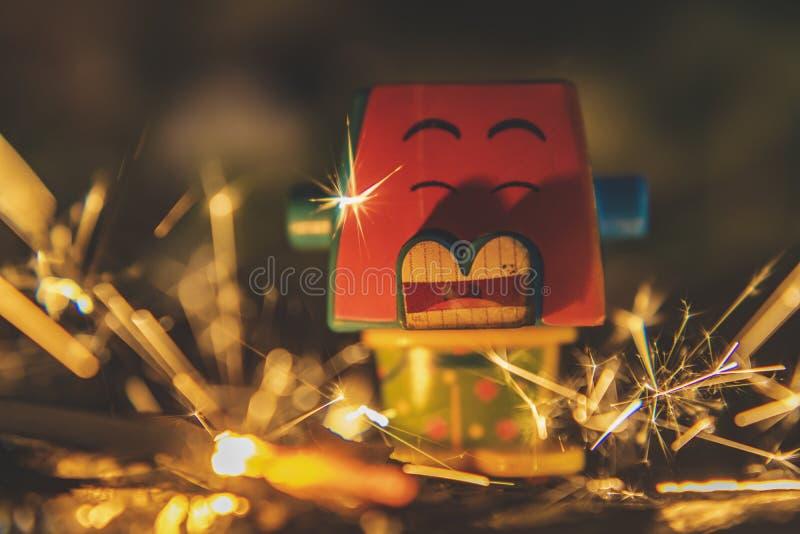 Creatieve speelgoedfotografie, echt vuur en brandend speelgoed royalty-vrije stock foto