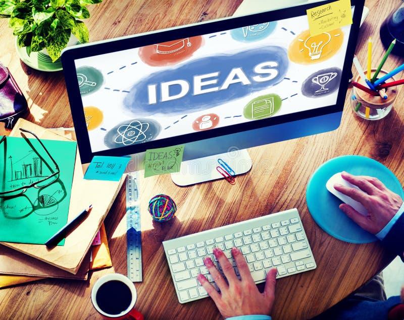 Creatieve uitwisselings van ideeën de Kennis veronderstelt denkt Concept stock afbeeldingen