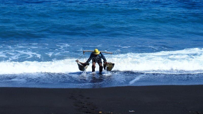 Creatore del sale marino fotografia stock
