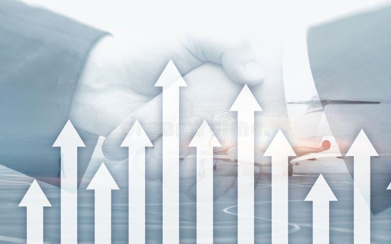 Crecimiento encima de flechas en fondo abstracto futurista Inversión o ahorros al crecimiento encima del dinero o del concepto de foto de archivo