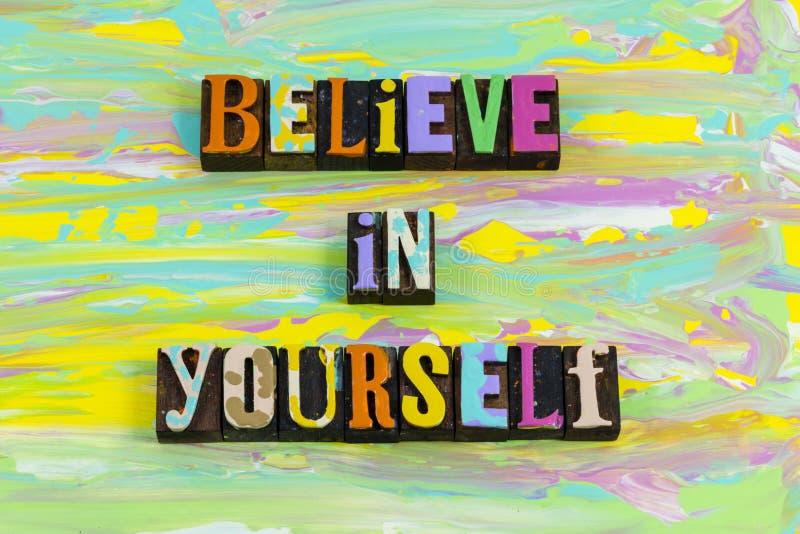 Credete di amarvi fiducia incoraggiate a lavorare con successo fotografie stock