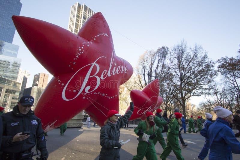 Credi la stella nella parata di Macy immagine stock libera da diritti