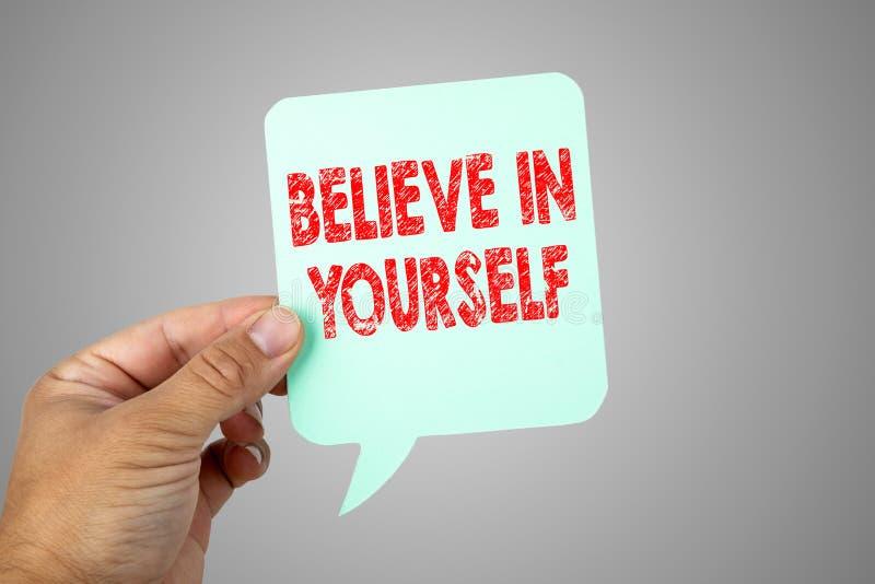 Credi in voi stesso Bolla di carta di discorso immagini stock libere da diritti