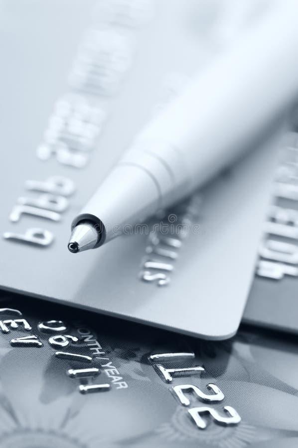 Creditcards en pen royalty-vrije stock afbeeldingen