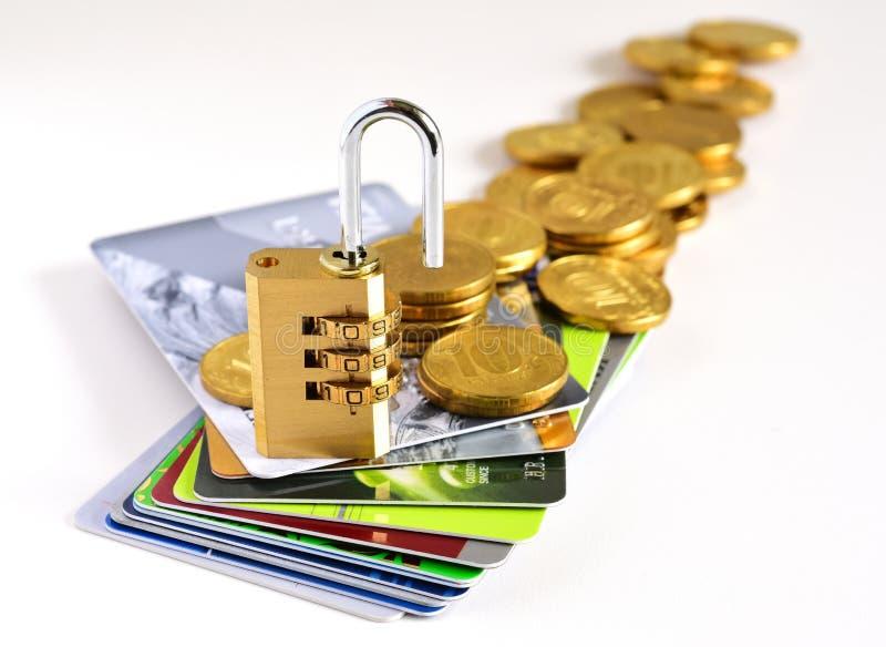 Creditcards en slot royalty-vrije stock afbeelding