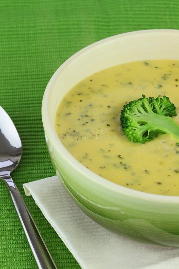 Crema de la sopa del bróculi foto de archivo