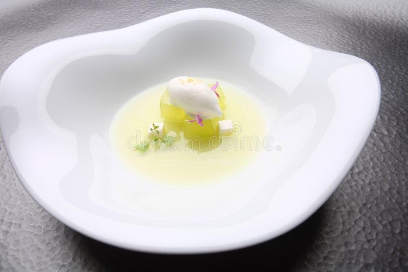 Crema del ghiaccio del limone dell'alimento gastronomico fotografia stock libera da diritti