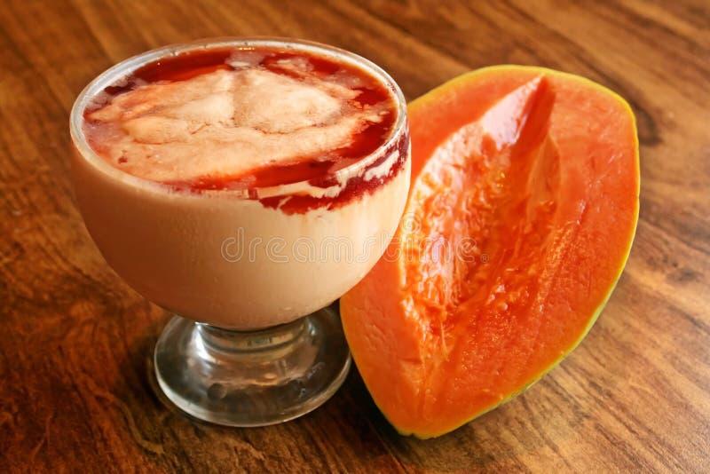 Crema della papaia fotografia stock libera da diritti