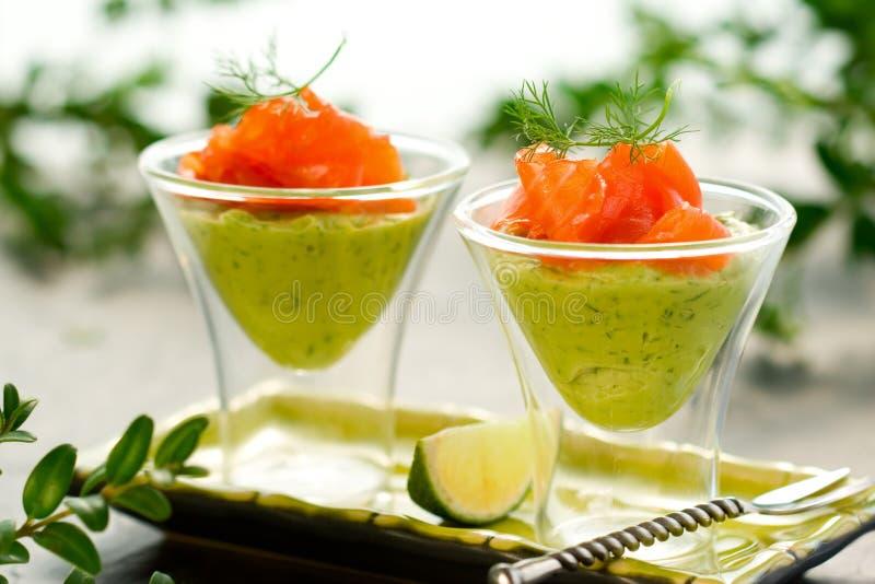 Crema e salmoni dell'avocado immagine stock