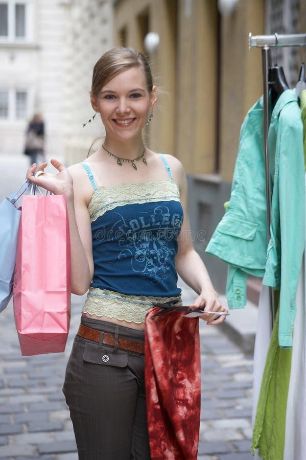 Cremalheira com roupa fotografia de stock royalty free