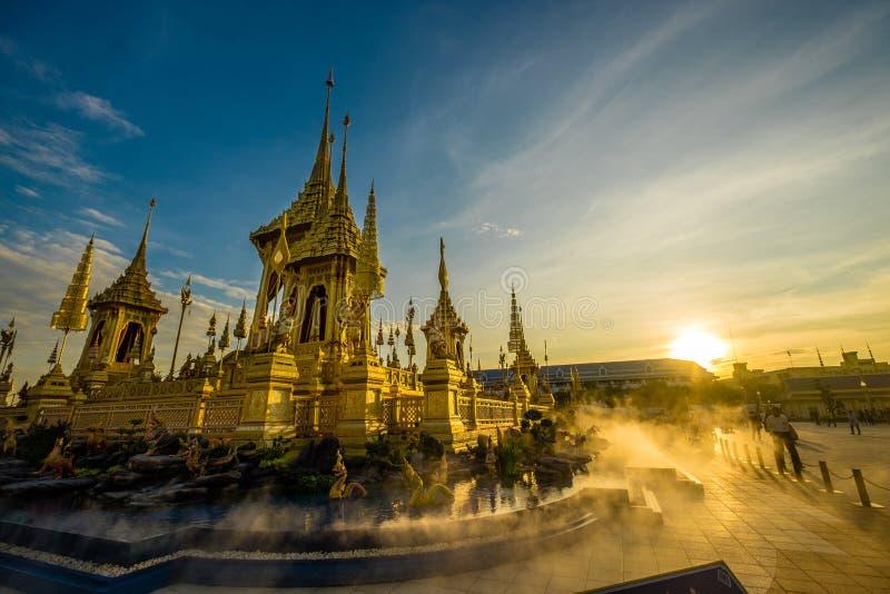 Crematorio reale di re Rama IX in Tailandia fotografie stock
