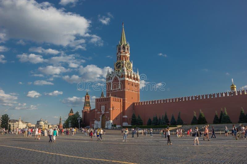 Cremlino di Mosca, quadrato rosso Torre di orologio del salvatore di Spasskaya fotografia stock
