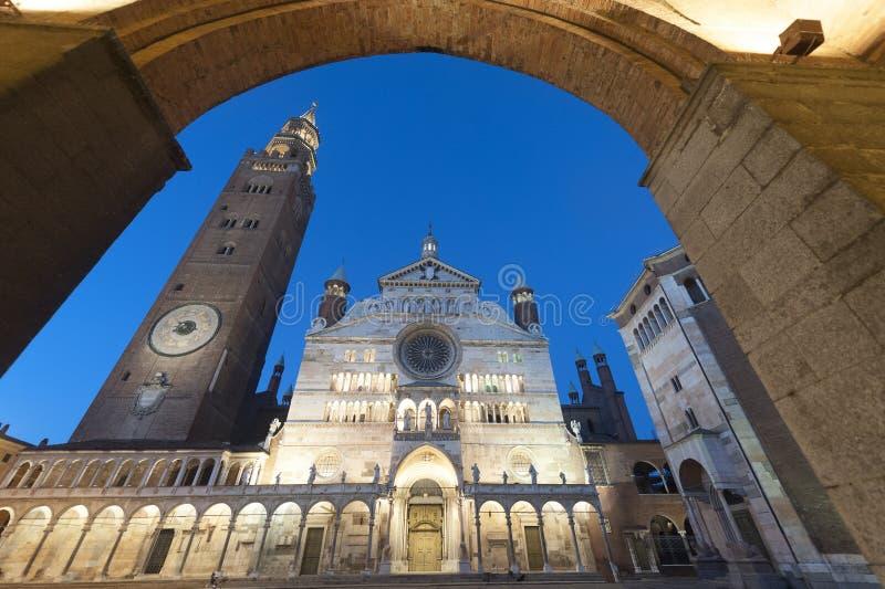 Download Cremona, Duomo stockfoto. Bild von architektur, katholisch - 26365582