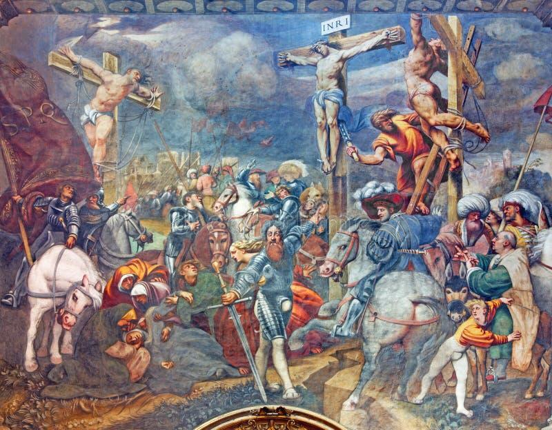 CREMONA, ITALIA, 2016: L'affresco di crocifissione in cattedrale del presupposto di vergine Maria benedetto fotografia stock