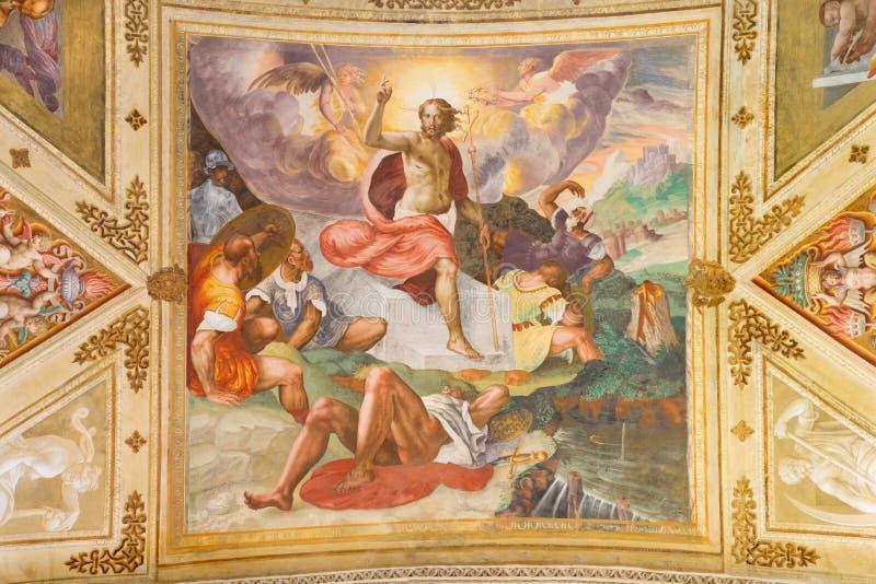 CREMONA, ITALIA, 2016: L'affresco di resurrezione nel centro della volta in Chiesa di San Sigismondo da Giulio Campi fotografie stock