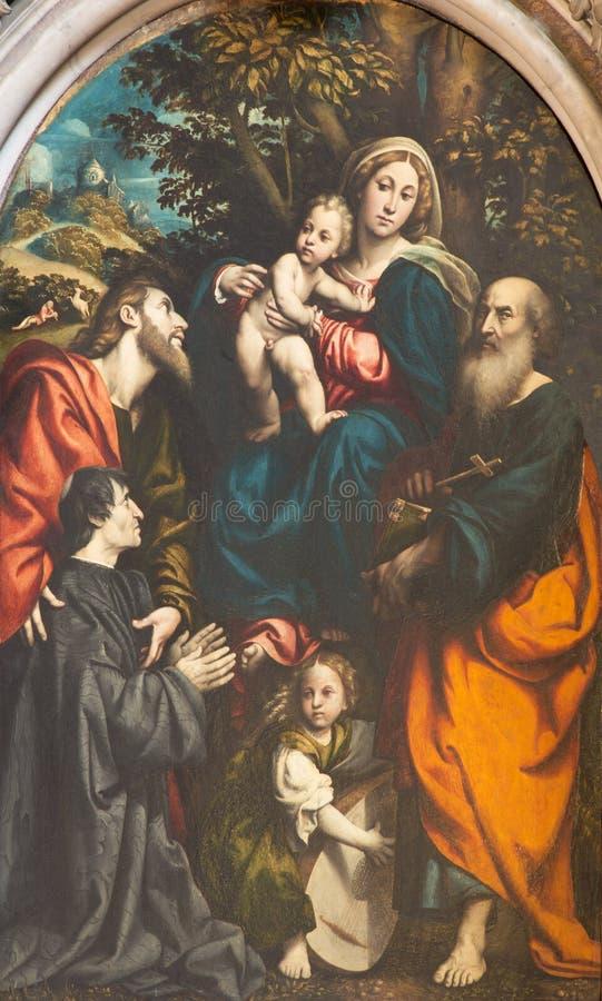 CREMONA, ITALIEN, 2016: Die Malerei von Madonna mit dem Kind und das St Philip, Jakob und Geber Giacomo Schizzi in der Kathedrale stockfoto