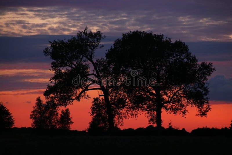 Crepúsculo ainda afetado pelo por do sol foto de stock royalty free