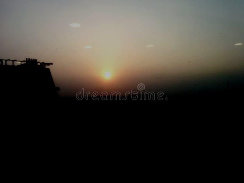Crepúsculo, céus alaranjados fotos de stock royalty free