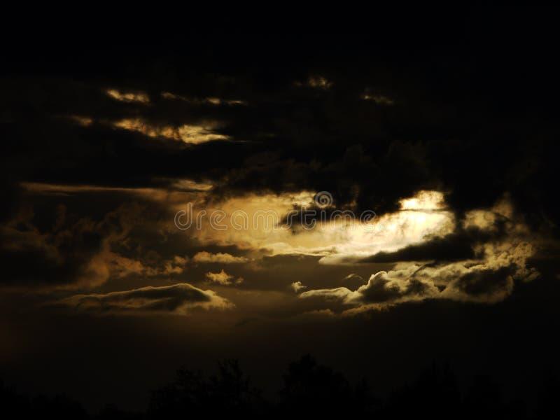 Crepúsculo da nuvem fotografia de stock