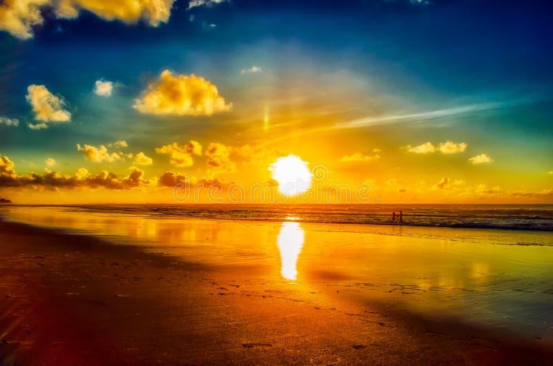 Crepúsculo de cristal - Oporto de Galinhas - Recife Brasil | Rubem Sousa Foros el Box® imágenes de archivo libres de regalías