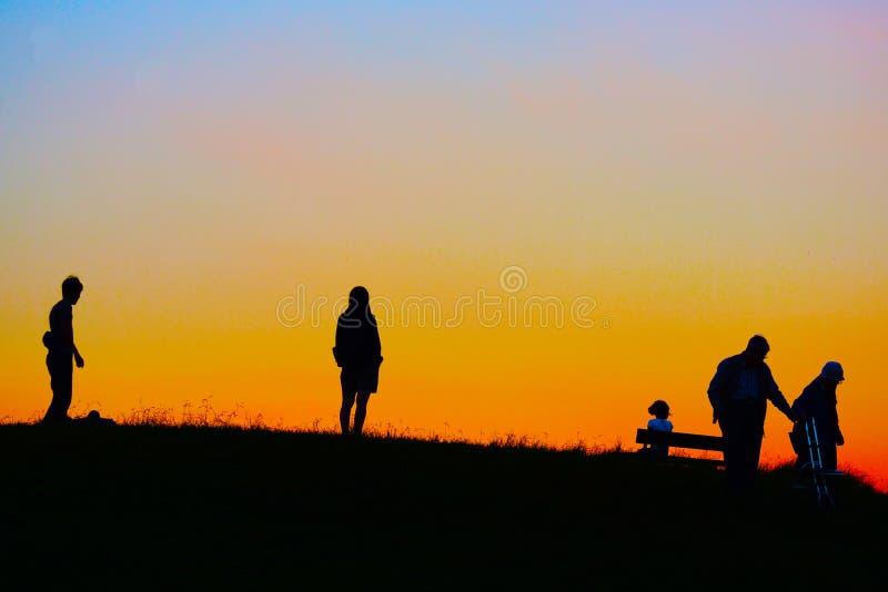 Crepúsculo de la imagen de la colina imagenes de archivo