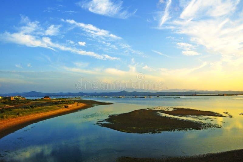 Crepúsculo do Seashore fotografia de stock royalty free