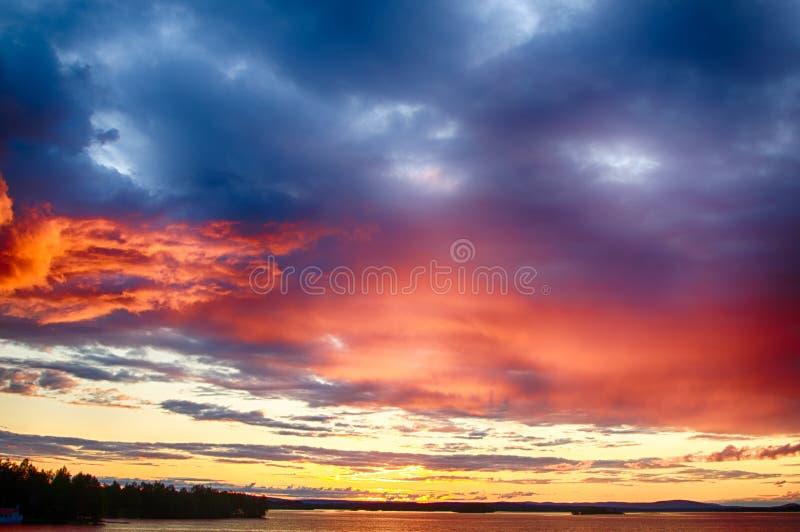 Crepúsculo em Finlandia imagem de stock