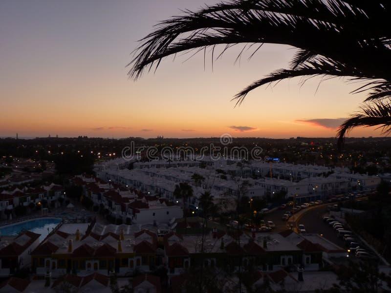 Crepúsculo em Maspalomas, Ilhas Canárias dos agradecimentos foto de stock