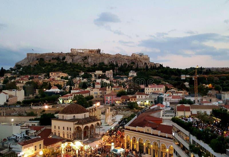 Crepúsculo em Monastiraki, Atenas, Grécia foto de stock