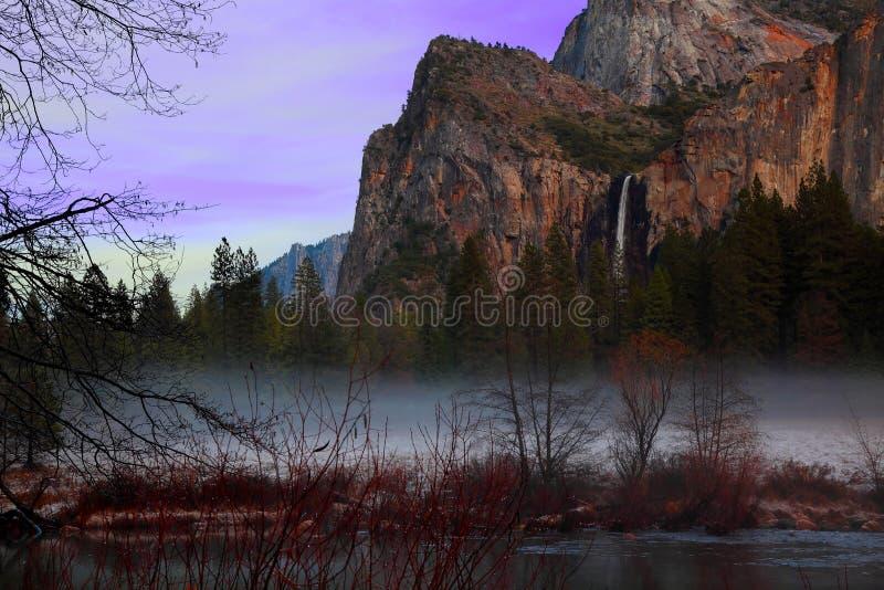 Crepúsculo em Yosemite imagens de stock