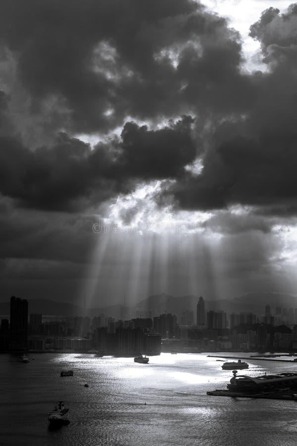 Crepúsculo en día nublado foto de archivo libre de regalías
