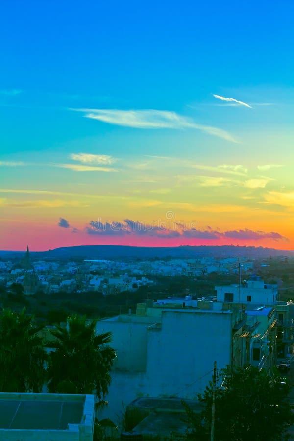 Crepúsculo sobre Gozo imagen de archivo libre de regalías